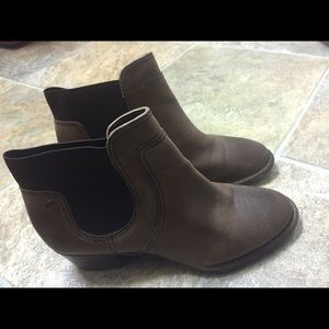 Ladies Casual Ankle Boots by GIANIBERNINI SIZE 7.5